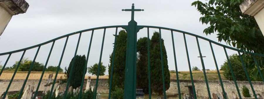 Le cimetière gardera la croix de son portail
